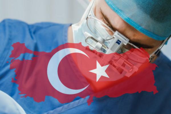 Vyplatí se transplantace vlasů v Turecku?